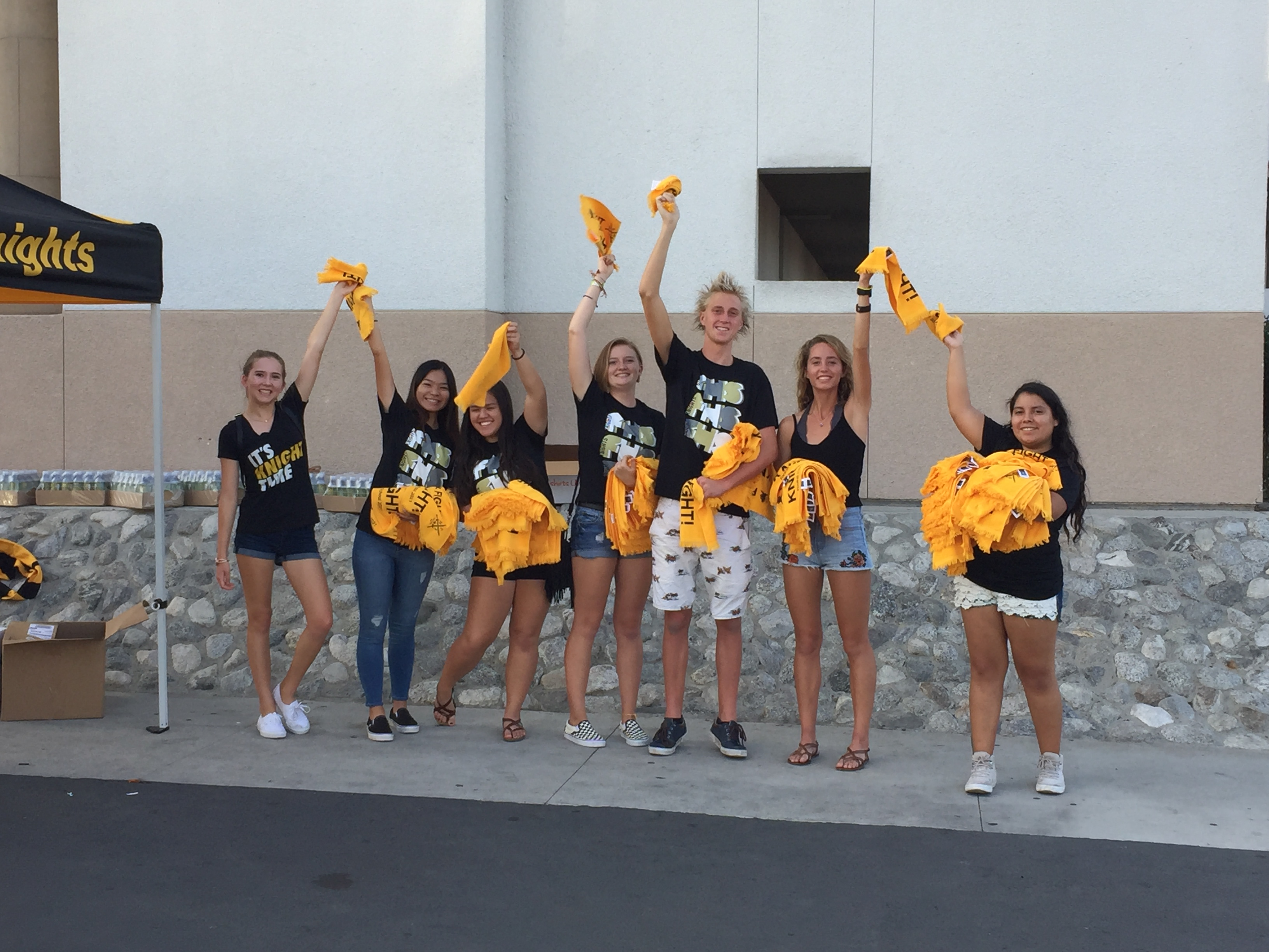 LC Leaders Hand out Rally Towels